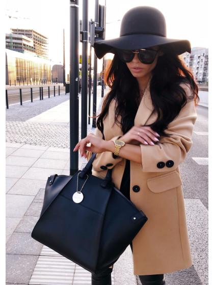 Wełniany płaszcz...
